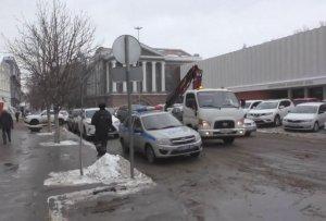 Саратовский депутат Антон Ищенко предложил сделать платными парковки вокруг облдумы и правительства